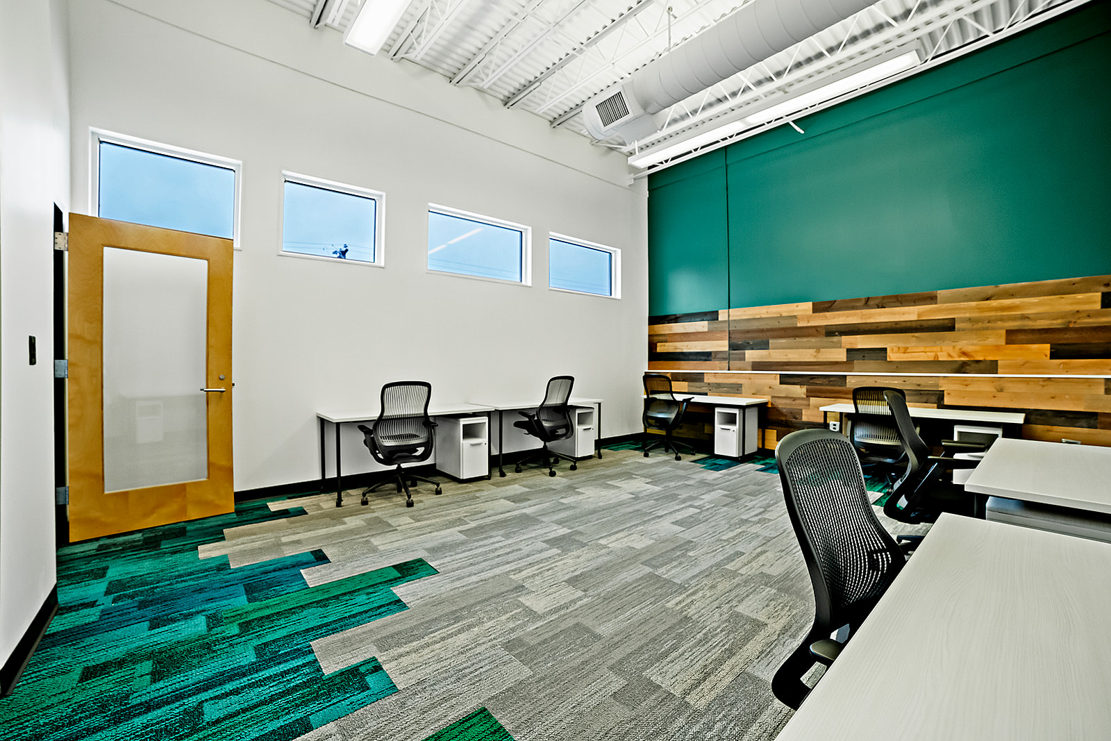 Back 4-6 Person Office